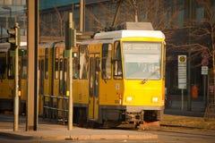 желтый цвет трама berlin электрический Стоковые Изображения