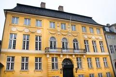 желтый цвет фасада Стоковое Фото