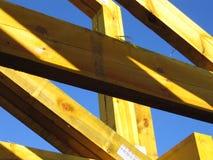 желтый цвет ферменной конструкции стоковые фотографии rf