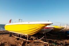 желтый цвет шлюпки Стоковая Фотография