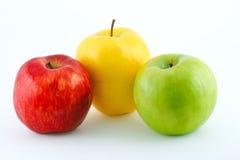 желтый цвет яблок зеленый сочный красный стоковое изображение