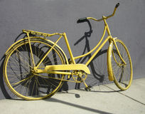 желтый цвет bike Стоковые Изображения