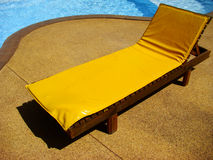 желтый цвет lounger стоковое фото rf