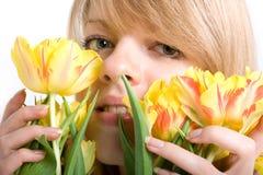 желтый цвет tulps яркой девушки сексуальный Стоковые Фотографии RF