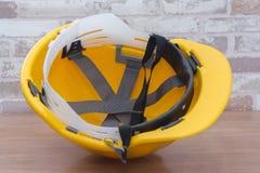 желтый шлем безопасности для рабочего класса Стоковое Изображение RF
