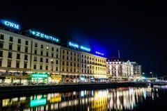 Женева на ноче, Швейцария Стоковая Фотография