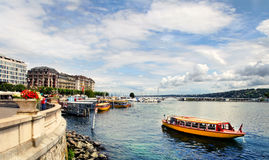 Женева, Швейцария - 12-ое июля 2014 Взгляды портового района Ge озера Стоковые Изображения