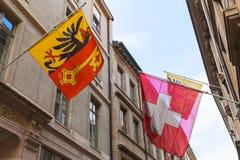 Женева, Швейцария Швейцарец, флаги города Стоковое Изображение RF
