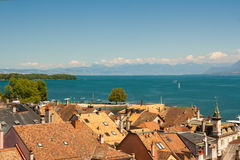 Женевское озеро и город Ньона, Швейцарии Стоковое Изображение RF