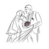 жених и невеста нежно смотря один другого Стоковое фото RF
