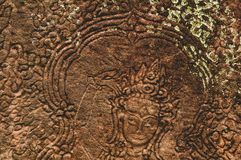 Женская деталь барельеф стороны в Angkor Wat, Siem Reap, Камбодже, Индо-Китае, Азии стоковое фото rf