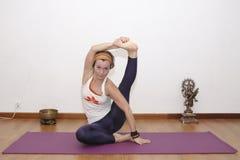 Женская йога Стоковое Фото