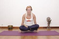 Женская йога Стоковое Изображение RF