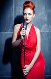 Женская певица стоковые фото
