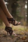 женские ноги молодые стоковые изображения rf