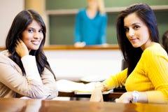 Женские студенты колледжа Стоковое Изображение