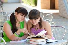 женские студенты 2 Стоковые Изображения
