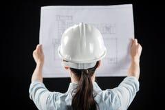 Женский архитектор в шлеме Стоковое Изображение