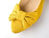 Женский ботинок на белизне Стоковые Изображения RF