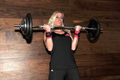 Женский кандидат Сандра Kievit нагревая для национального рекорда стоковое изображение rf