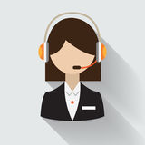 Женский оператор центра телефонного обслуживания с шлемофоном Стоковые Фотографии RF
