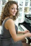 женский пианист оглушая Стоковое фото RF