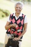 женский портрет игрока в гольф Стоковые Изображения RF