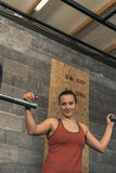 Женский портрет тренера Crossfit стоковые фотографии rf