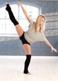 Женский танцор в представлении стоковые фотографии rf