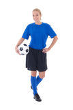 Женский футболист в голубой форме изолированной на белизне стоковое изображение rf