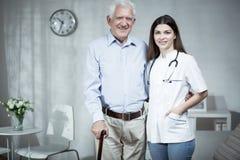 Женский человек доктора и старейшины Стоковая Фотография RF