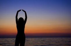 женский meditating Стоковая Фотография RF