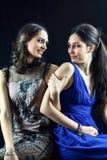 2 женских друз шутя в элегантном платье Стоковая Фотография RF