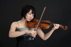 Женское азиатское violonist Стоковое Фото