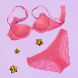 Женское бельё установленное как подарок для женщины Стоковая Фотография RF