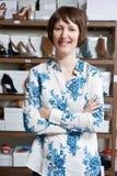 Женское предприниматель онлайн дела ботинка Стоковые Фотографии RF