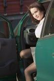 женщина автомобиля сидя Стоковые Фото