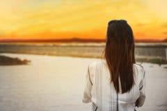 Женщина Азии, девушка думая к что-то с одиночеством Стоковые Фото
