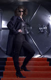 женщина банка подготовляя разбойничество rob к Стоковое фото RF
