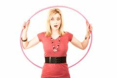 женщина белокурого обруча пластичная милая Стоковые Изображения