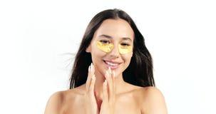 Женщина брюнета с Eyepatches сток-видео