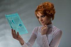 женщина будущего принципиальной схемы Стоковое фото RF