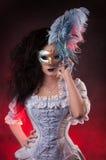 Женщина вампира Halloween с venetian маской Стоковые Фото