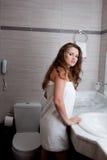 женщина ванной комнаты красивейшая Стоковые Изображения