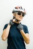 женщина велосипедиста стоковое изображение rf