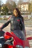 женщина велосипедиста Стоковые Изображения RF