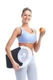 женщина веса маштаба Стоковые Изображения RF