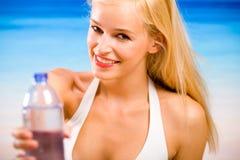 женщина воды бутылки Стоковая Фотография RF