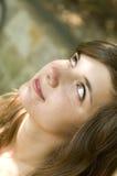 Женщина волос Brown ся Стоковые Изображения RF