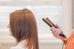 Женщина волос салона парикмахера Стоковое Фото